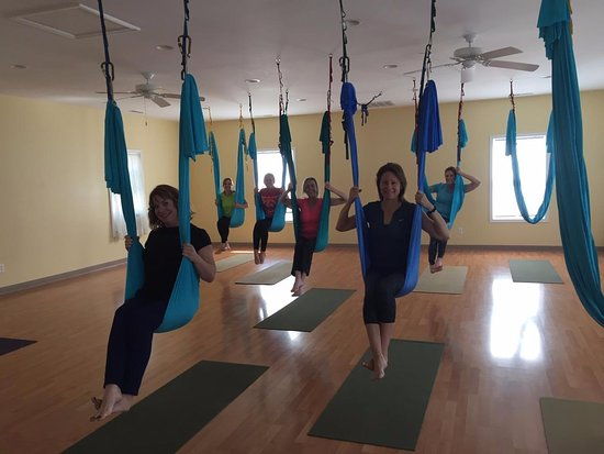 St. Michaels, แมรี่แลนด์: Girls Weekend and Ariel Yoga at The Studio