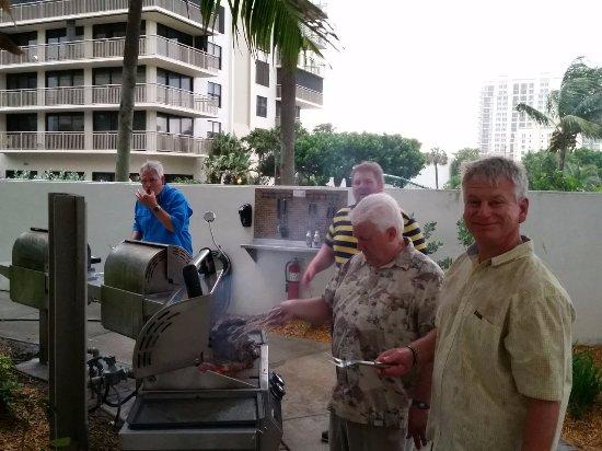 Marriott's Oceana Palms: Family enjoying the grilling area
