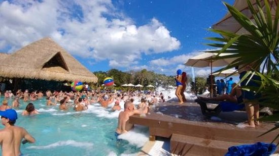 Ocean Riviera Paradise Foam Party In Pool
