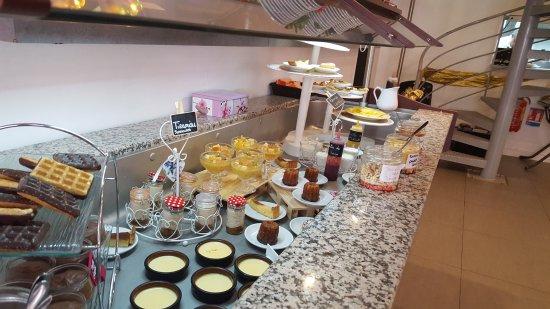 Valbonne, Γαλλία: ronde de dessert