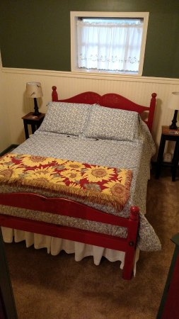 Willow Street, PA: Extra space - Braeburn Cottage second bedroom, first floor