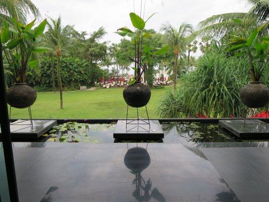 Ramada Khao Lak Resort: vue du hall
