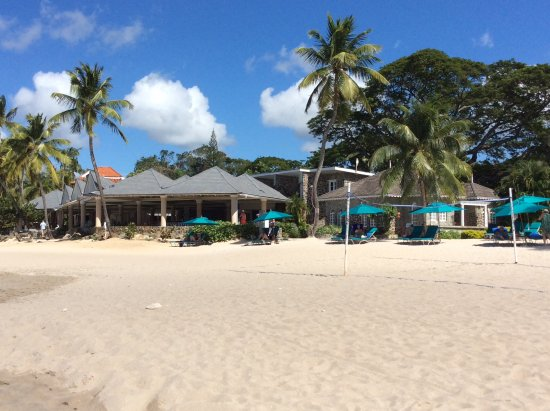 Rendezvous Resort: Beach with view of Terrace Restaurant on left