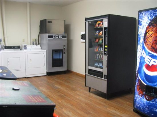 McCook, NE: Vending room and guest laundry