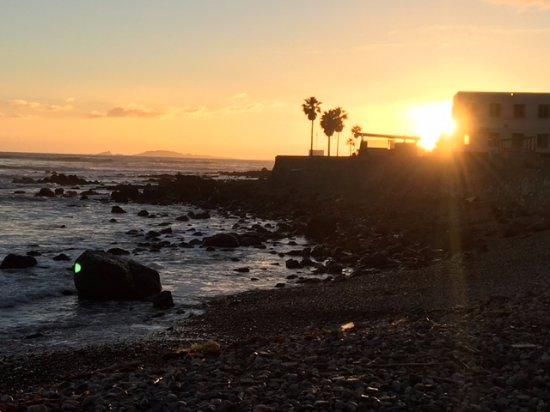 Hotel Coral & Marina: Sunset at beach to the North of the marina