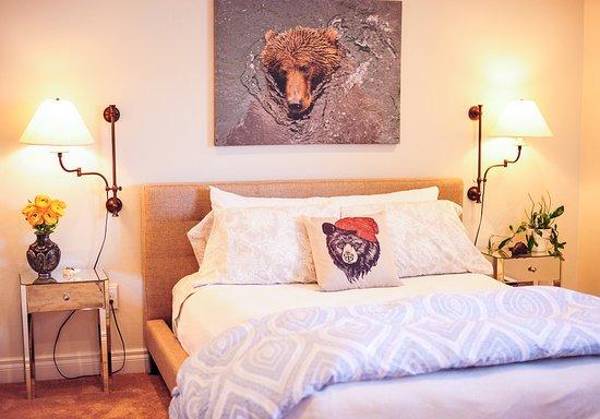 Kodiak, AK: Queen Suite