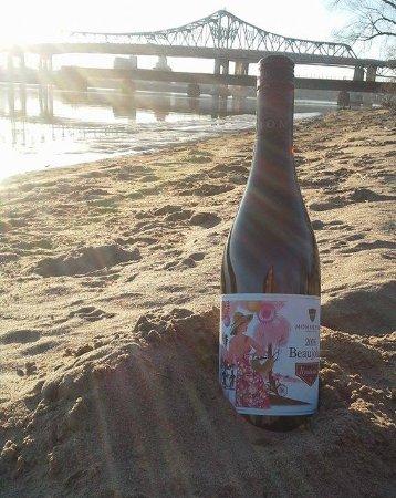 The Oaks Wine Bar - Bringing Wine to Winona