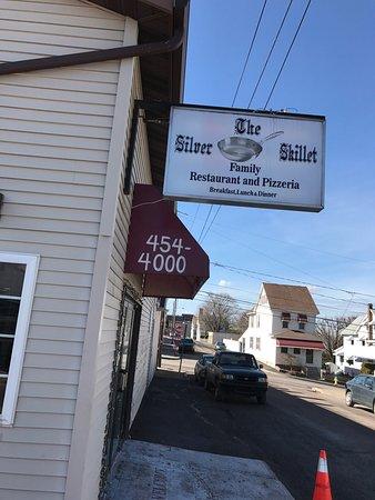 แฮซเลตัน, เพนซิลเวเนีย: Silver Skillet Family Restaurant & Brick Oven Pizzeria
