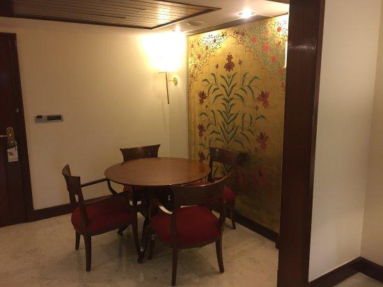 آي تي سي موغال أجرا: Dining room