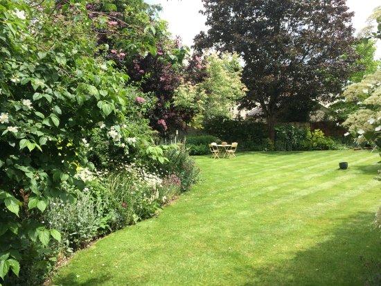 Great Bardfield, UK: Bucks House has a beautiful walled garden.