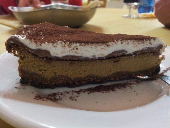 Montefiore Conca, Italie : La mitica Cheesecake al caffè