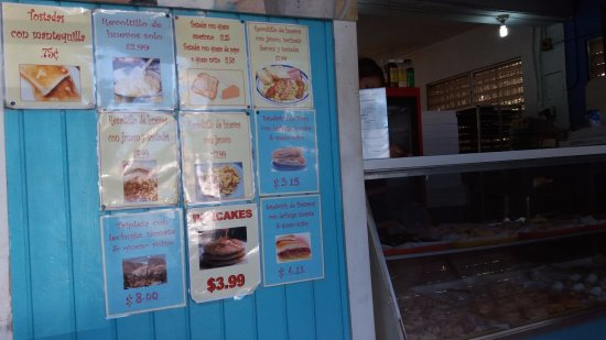 La Dulce Esperanza : Menu and bakery case