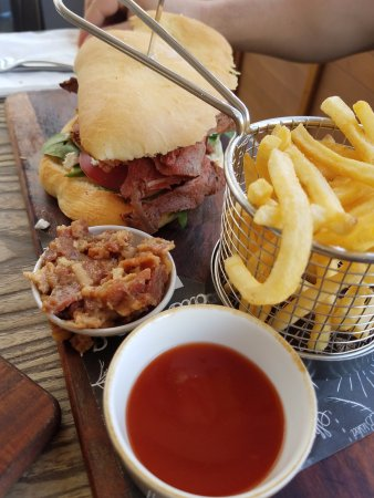 CBK Craft Bar & Kitchen Rotorua: Roast Beef Sandwich with bacon jam on the side