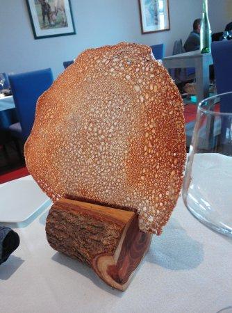 Montner, France: galette au fromage pour l'apéro