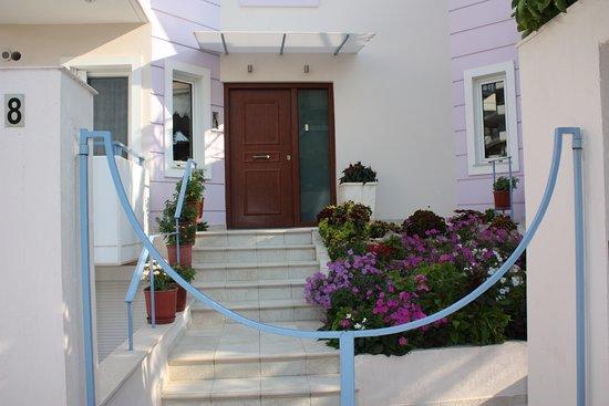 Elliniko, Grecia: Front