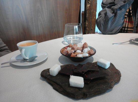 Montner, Франция: café