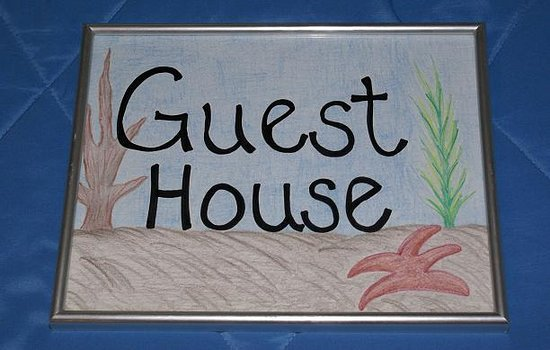 Anthony's by the Sea : The Guest House features two double beds