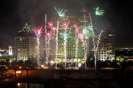 Irving, TX: Fourth of July Fireworks over Lake Carolyn