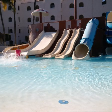 Tesoro Manzanillo: Kids Club Water Slides