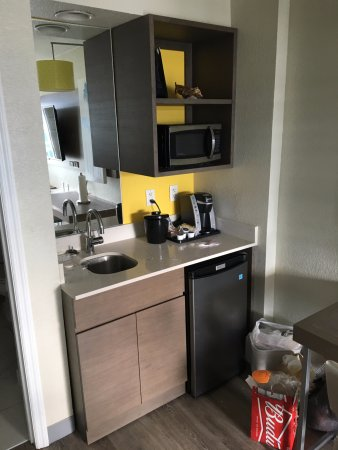 Holiday Inn Resort Orlando Suites   Waterpark: Kitchenette