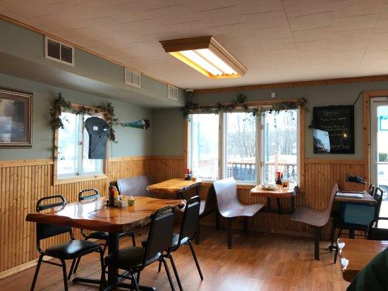 Crandon, Wisconsin: Dining Room
