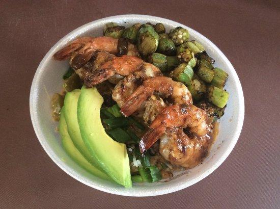 Redmond, Oregón: Caribbean Rice Bowl with pan seared Jerk Shrimp