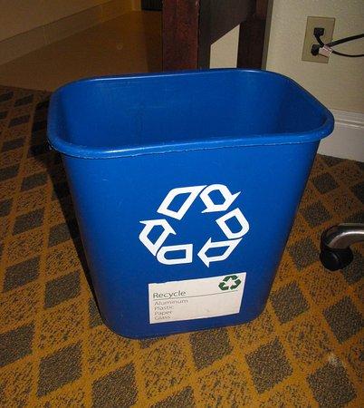 Los Gatos, CA: Room 341 - Toll House - Recycle bin