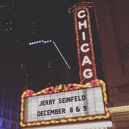The Chicago Theatre : Marquee