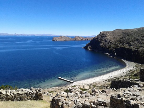 Lago Titicaca en la Isla del Sol, Bolivia. - Picture of Lake ...