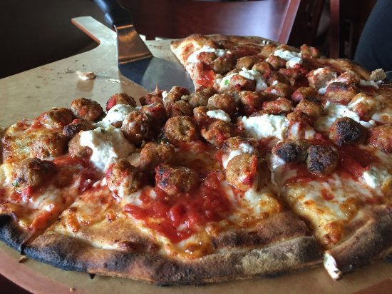 Littleton, MA: Meatballs and Ricotta Pizza