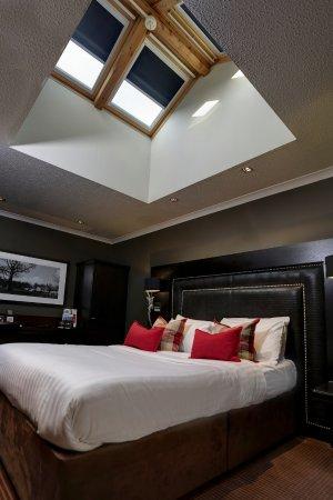Eaglesham, UK: Executive double with velux window with shower