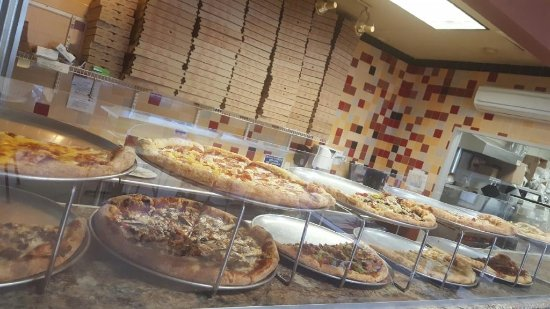 Waunakee, WI: Pizza by the slice daily 10:30-2:30