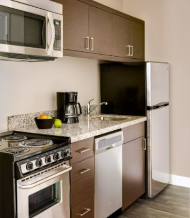 Altoona, PA: Our guest rooms all have in room kitchens.  Full stoves only come with One-Bedroom Suites.