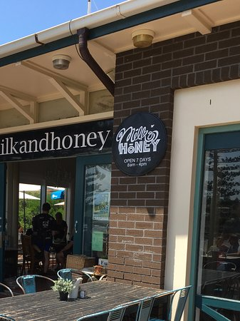 Kiama, Australië: Can eat outside and enjoy the scenery or in comfort inside