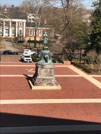 University of Virginia: photo2.jpg