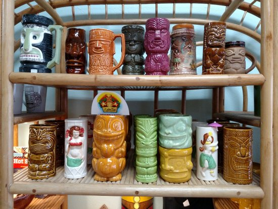 Tequesta, Floride : Vintage tiki mugs as well as modern remakes!