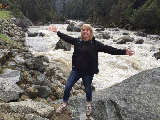 Oakhurst, CA: Kim taking a break at Merced River