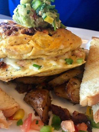Lake Ozark, Миссури: Tortilla Mexicana Omelette with honey habanero bacon,bell peppers to Chorizo, onion pepper jack