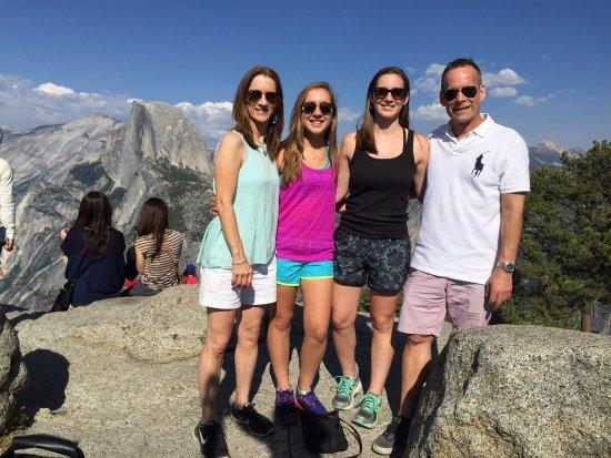 Оукхерст, Калифорния:  Family from UK
