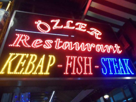 Ozler Restaurant: Insegna