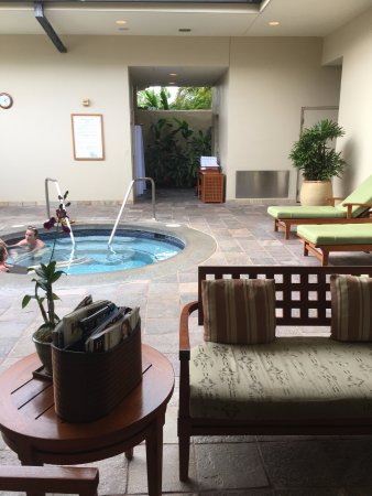 Anara Spa: Ladies hot tub/spa lounge area