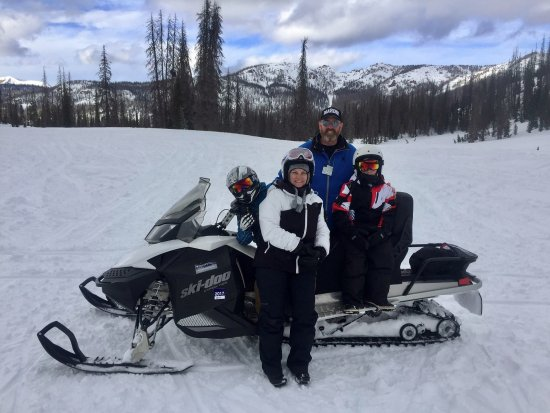 Pagosa Springs, CO: Fun times with Third Generation Snowmobile Tours!!