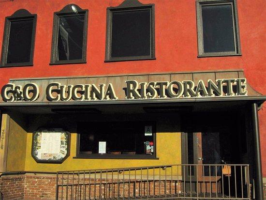 Marina del Rey, CA: Fachada do restaurante (foto tirada pela manhã)
