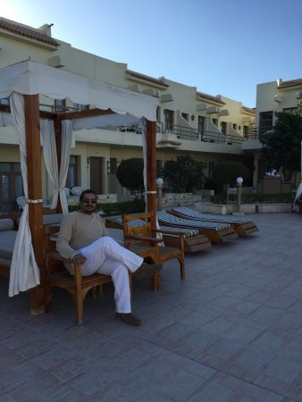 Cataract Layalina Sharm El Sheikh: This hotel was very nice especially around the pool and of course the beach. My wife and I are d