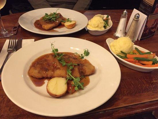 Ennis, Irlanda: One of the best schnitzel meals I have enjoyed anywhere!