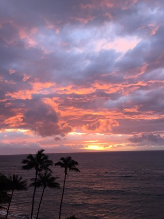 Royal Kahana: Sunset off the balcony