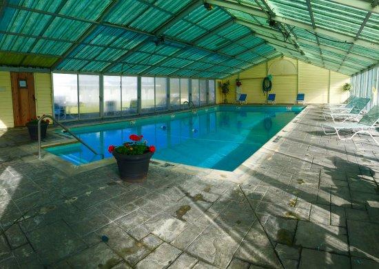 Thunderbird Inn: Seasonal Indoor Pool