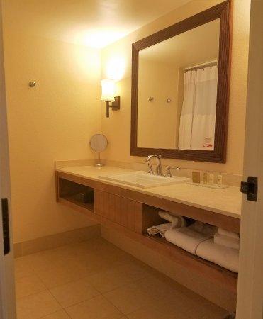Tropicana Las Vegas   A DoubleTree By Hilton Hotel: Long Vanity With Single  Sink