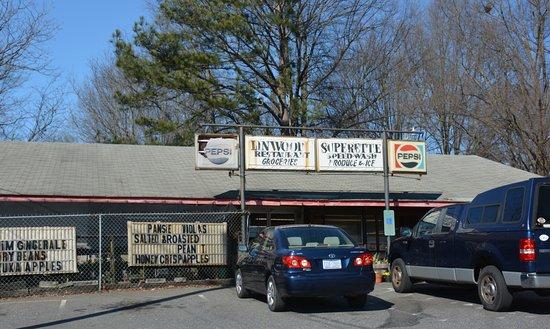 Kings Mountain, Βόρεια Καρολίνα: Long time neighborhood favorite for food and more