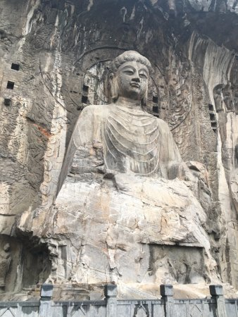 Datong, China: The largest statue